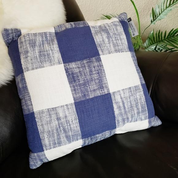 Pleasing New Threshold Blue White Checkered Throw Pillow Nwt Ibusinesslaw Wood Chair Design Ideas Ibusinesslaworg
